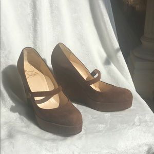 Christian Louboutin brown suede wedge 38.5